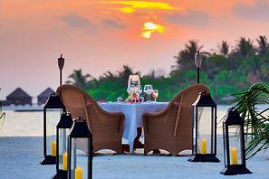 010 Naladhu Maldives_Intimate_Dining_Aff