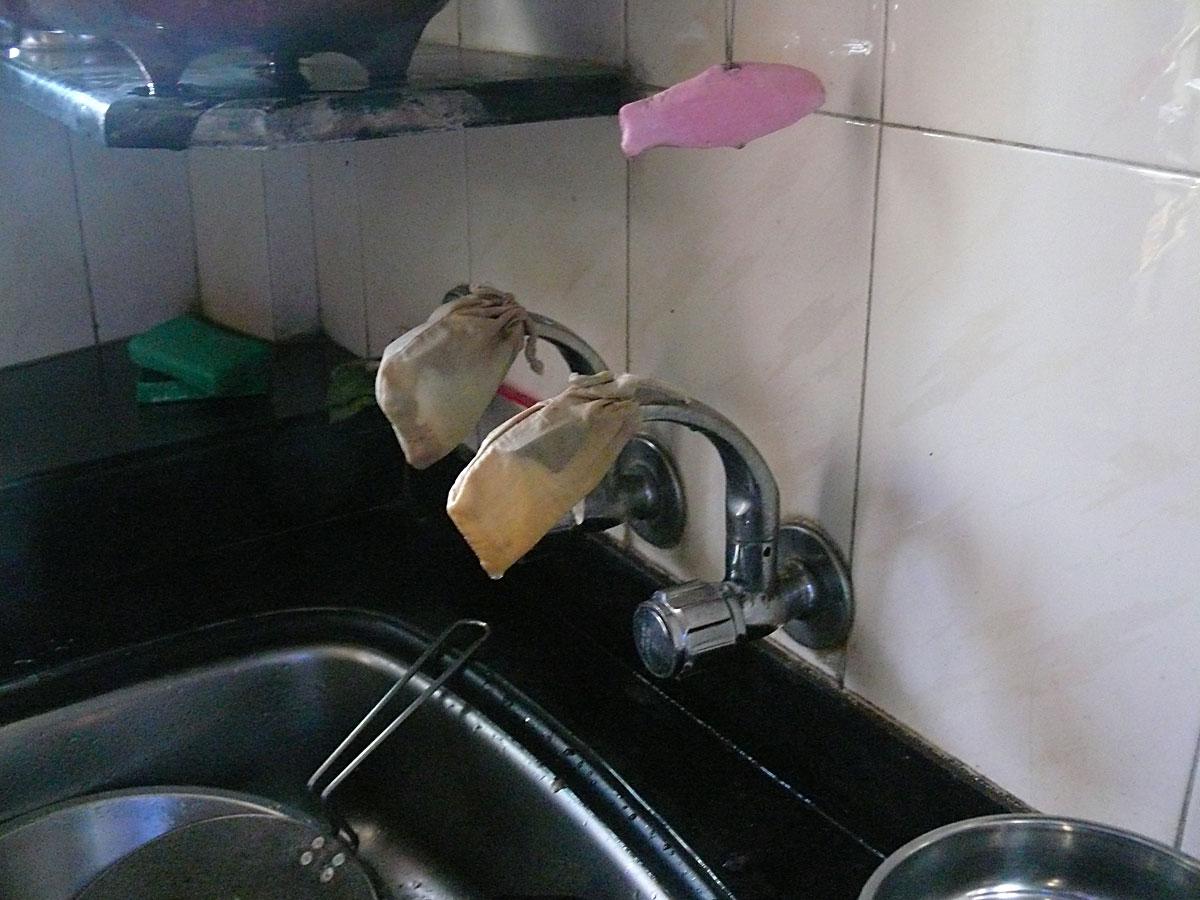 INDIEN MUMBAI Menschen Wohnen FINEST-onTour P1030373.jpg