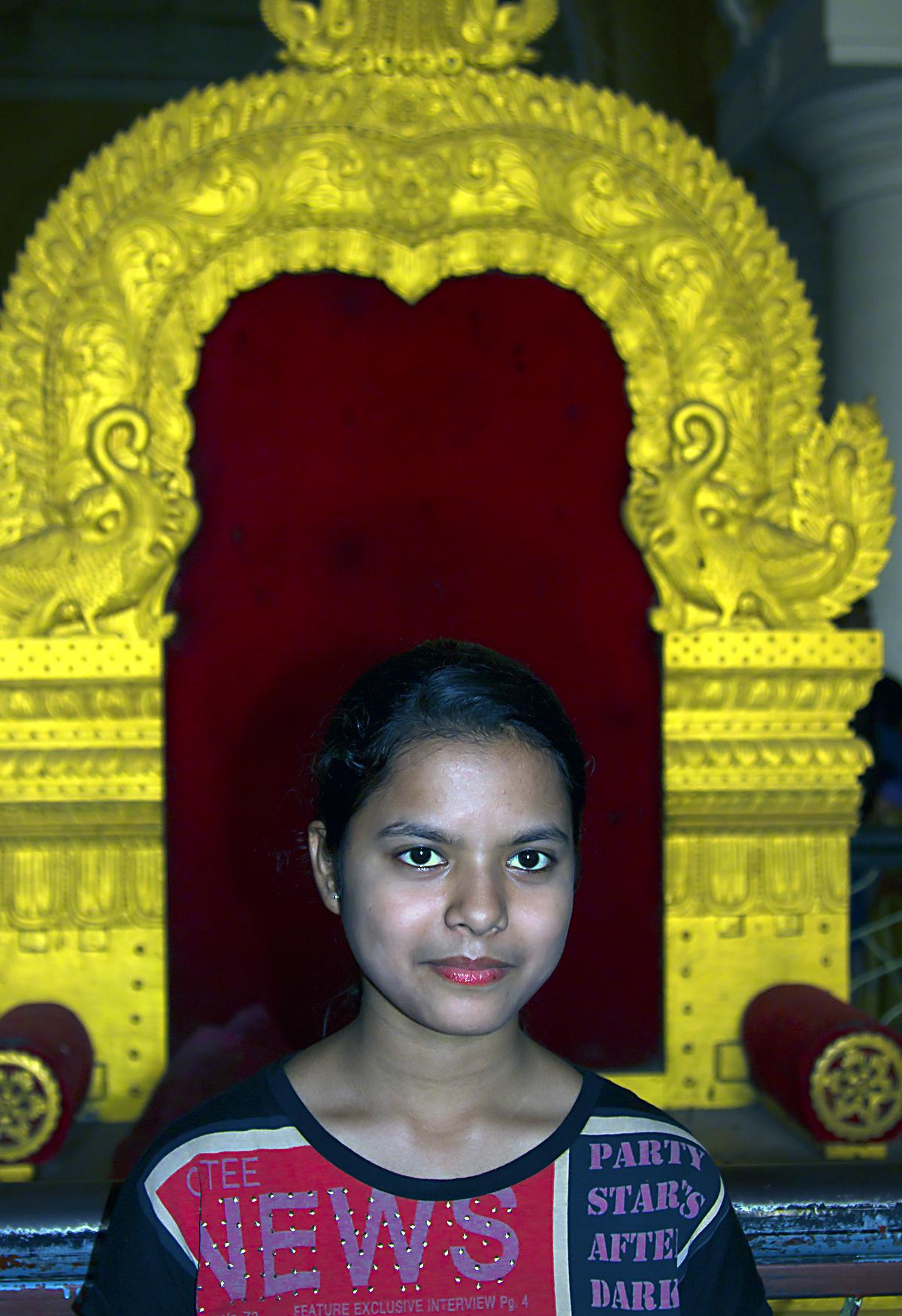 INDIEN Chennai Kanchipuram Tempel Menschen Tempel FINEST-onTour 7736-2.jpg