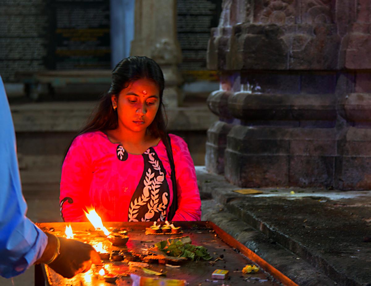 INDIEN Chennai Menschen Tempel FINEST-onTour 7504.jpg