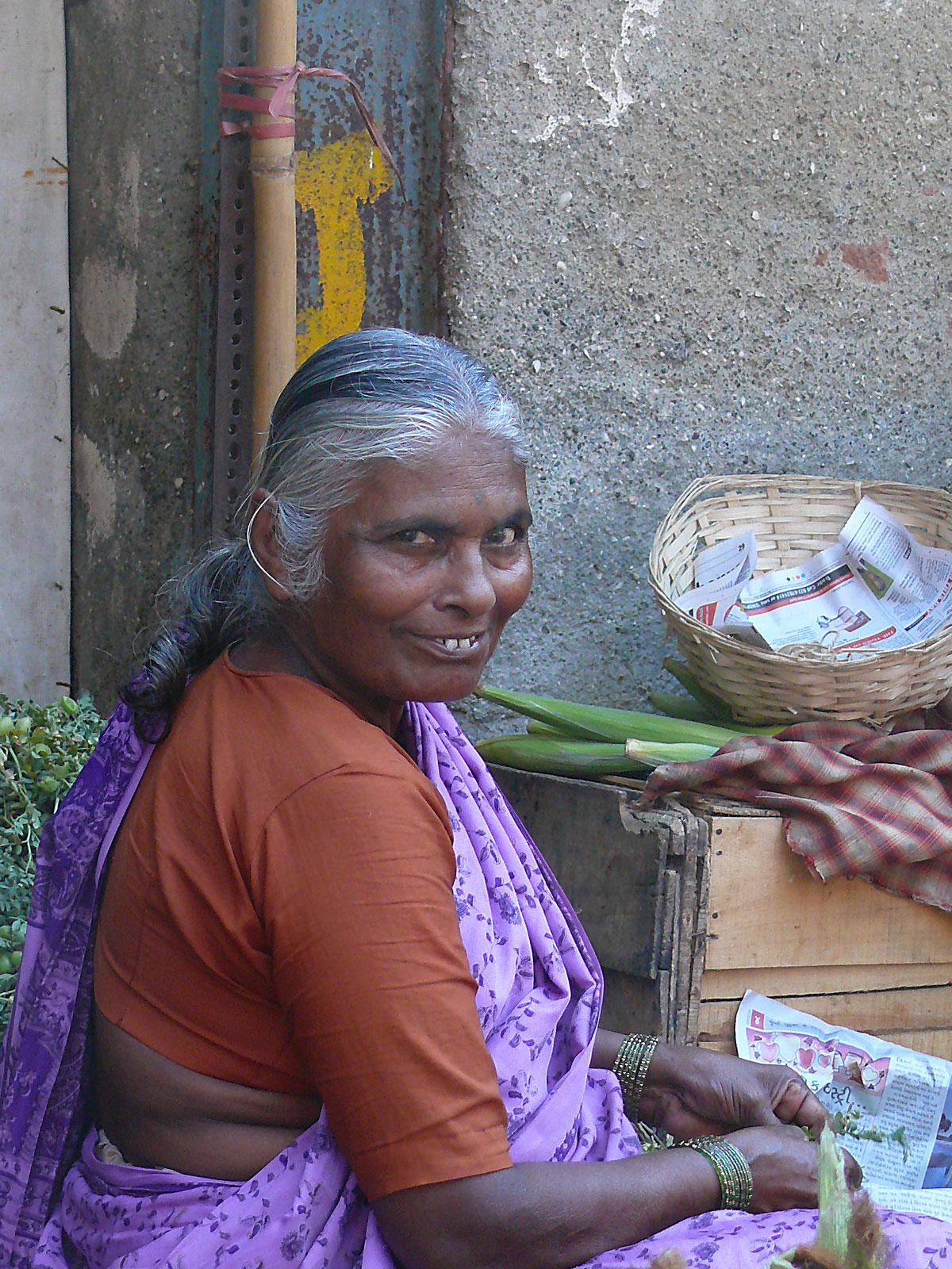 INDIEN MUMBAI Menschen Wohnen FINEST-onTour P1030460.jpg