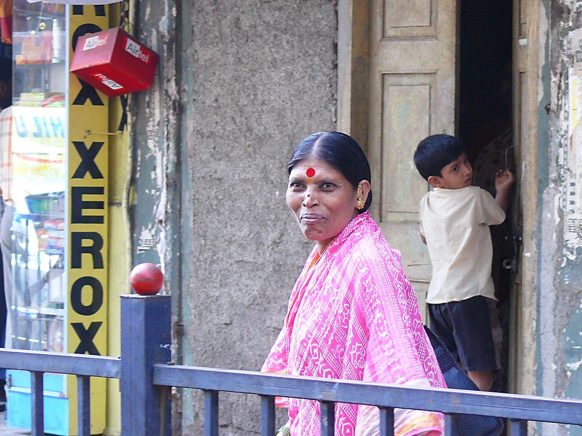 INDIEN MUMBAI Menschen Wohnen FINEST-onTour P1030449.jpg