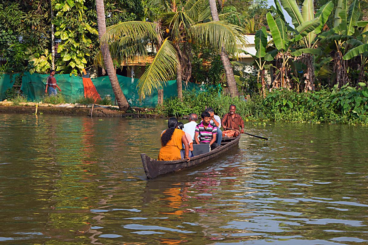 INDIEN Menschen Leben am Fluss FINEST-onTour 8501.jpg
