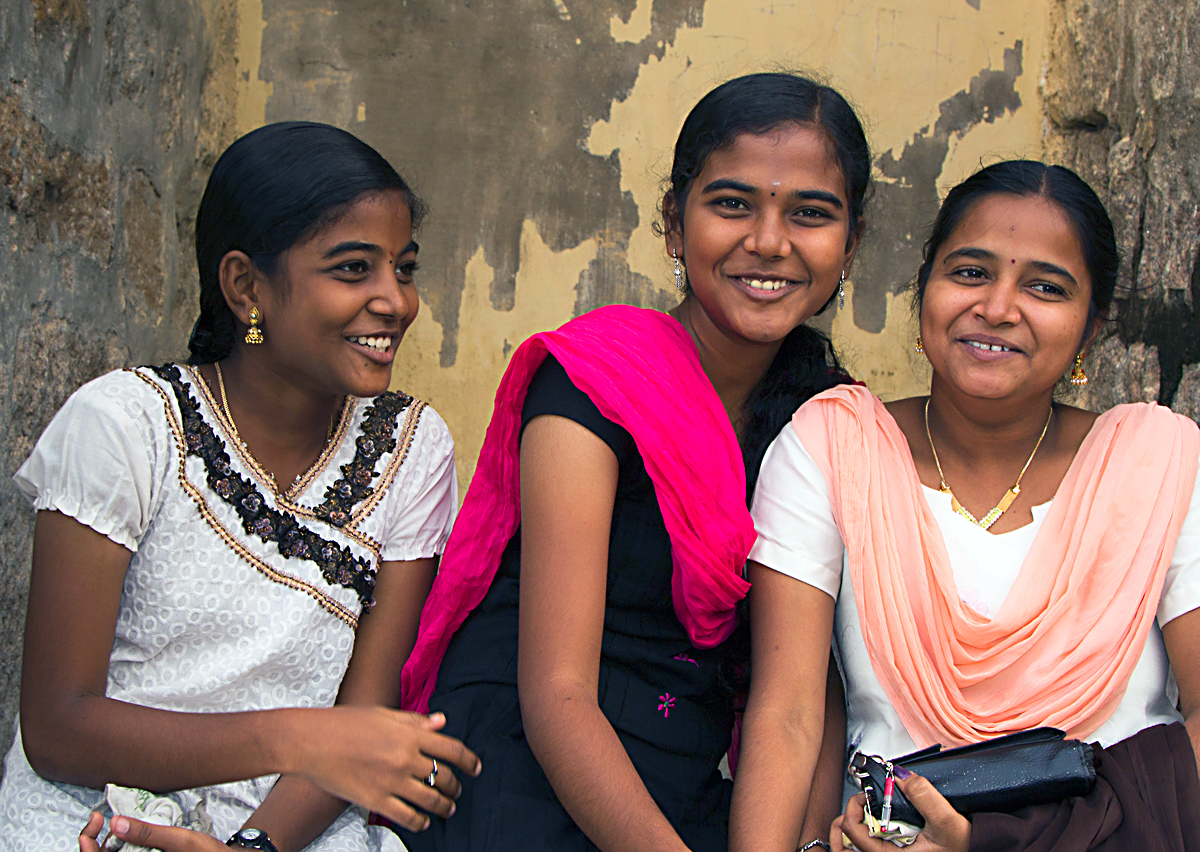 INDIEN Chennai Kanchipuram Tempel Menschen Tempel FINEST-onTour 7743.jpg