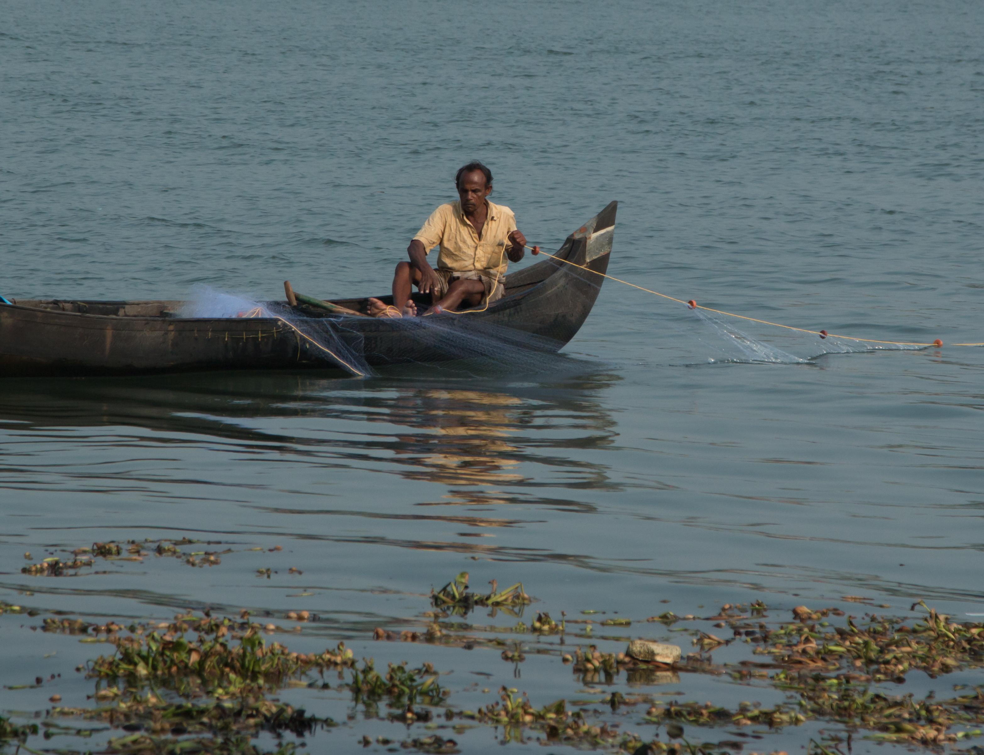INDIEN Cochin Kerala Menschen Fischmarkt FINEST-onTour 8825.jpg