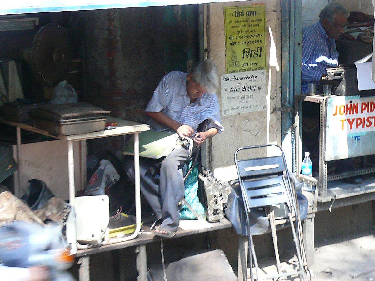 INDIEN MUMBAI Menschen Wohnen FINEST-onTour P1030493.jpg