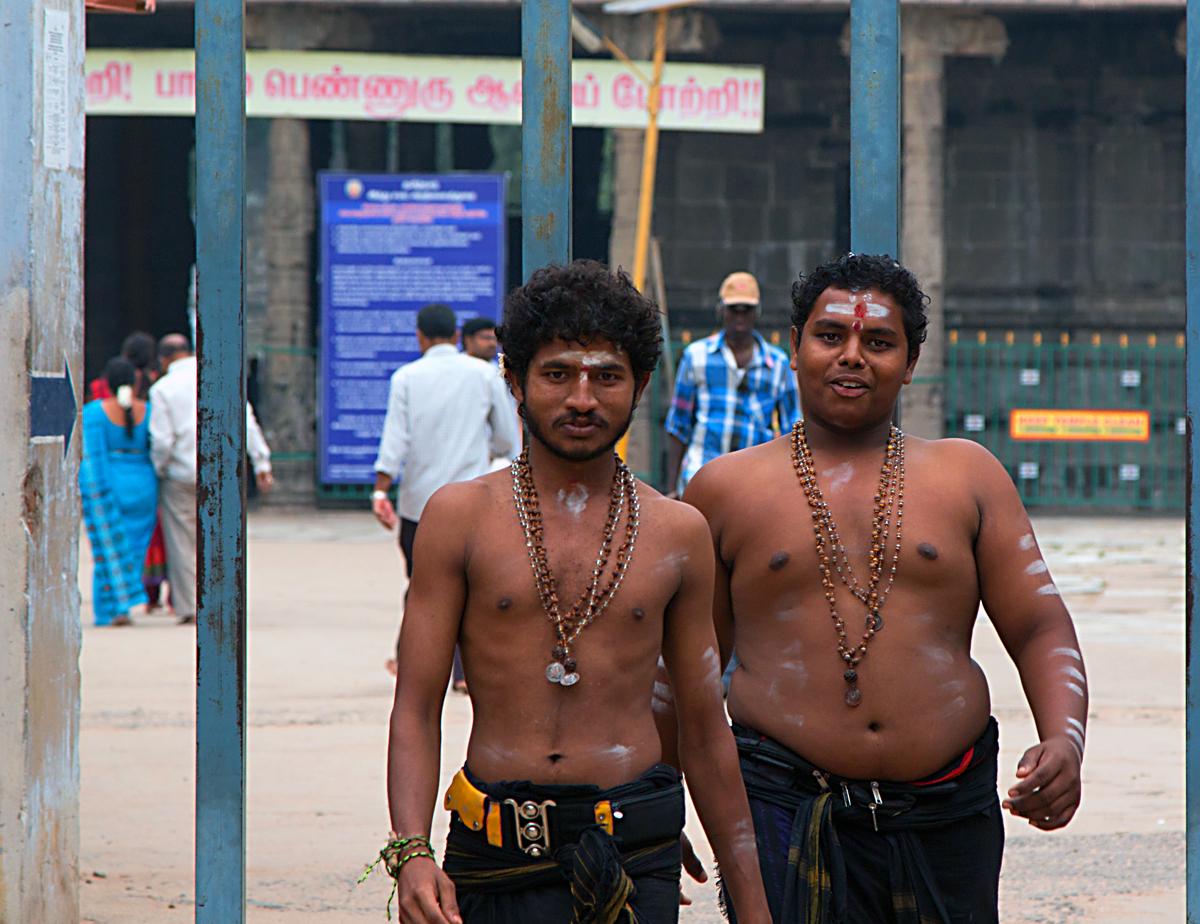 INDIEN Chennai Menschen Tempel FINEST-onTour 7465.jpg