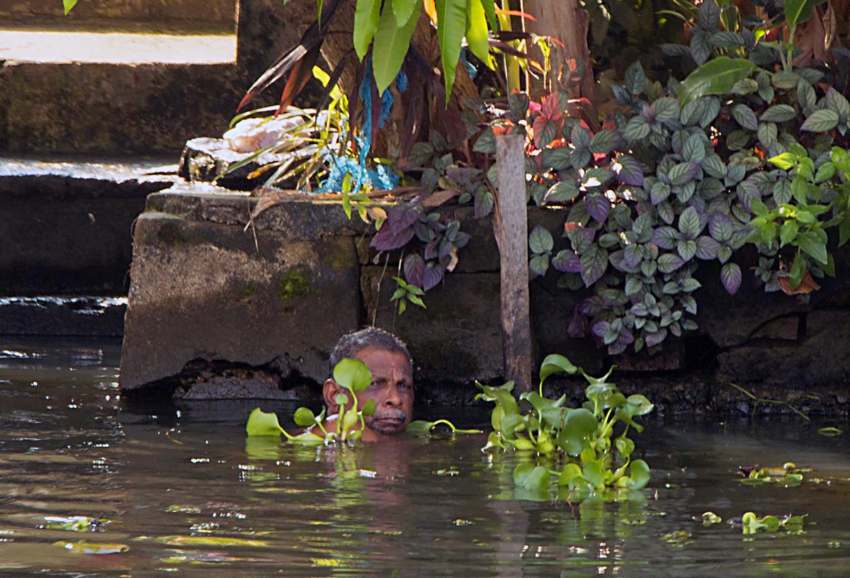 INDIEN Menschen Leben am Fluss FINEST-onTour 8464.jpg