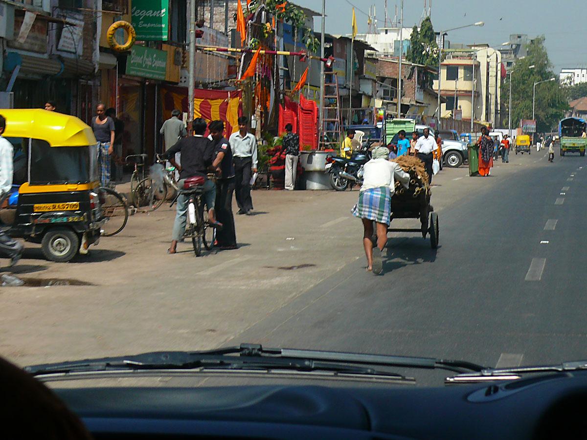 INDIEN MUMBAI Menschen Wohnen FINEST-onTour P1030323.jpg