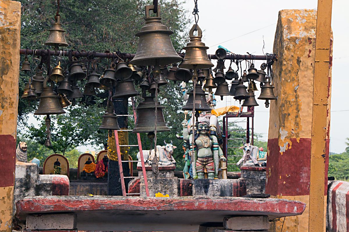 INDIEN Kumily Thekkady Kumarakom Kerala Menschen Tempel FINEST-onTour 7871.jpg