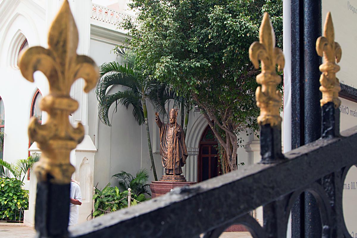 INDIEN Chennai Menschen Tempel FINEST-onTour 7208.jpg