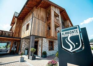 Almmonte_Sensum_Suites_Außenansicht.jpg