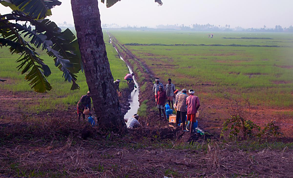 INDIEN Menschen Leben am Fluss FINEST-onTour 8635.jpg