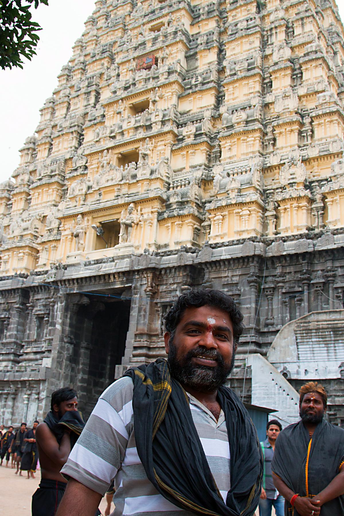 INDIEN Chennai Menschen Tempel FINEST-onTour 7513.jpg