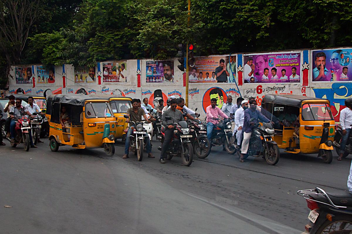 INDIEN Chennai Menschen Tempel FINEST-onTour 7154.jpg