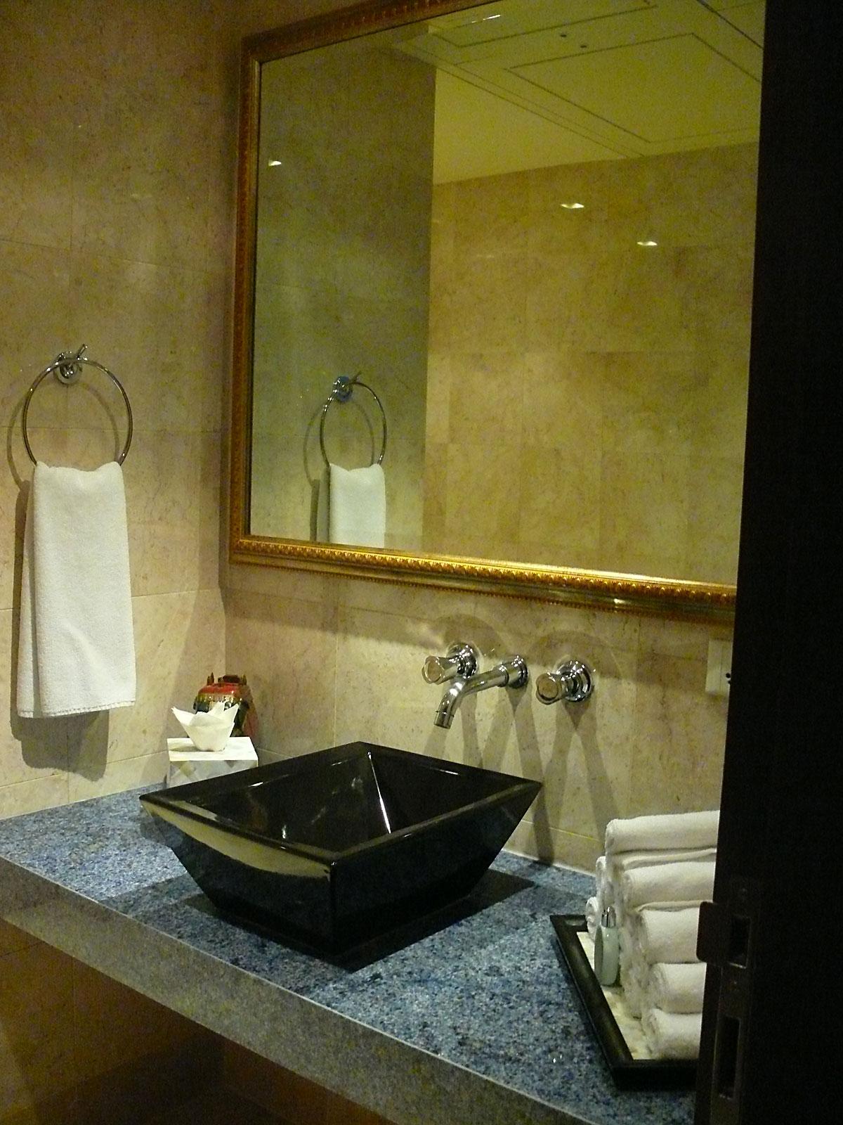 INDIEN MUMBAI Hotel The Leela FINEST-onTour P1030650.jpg