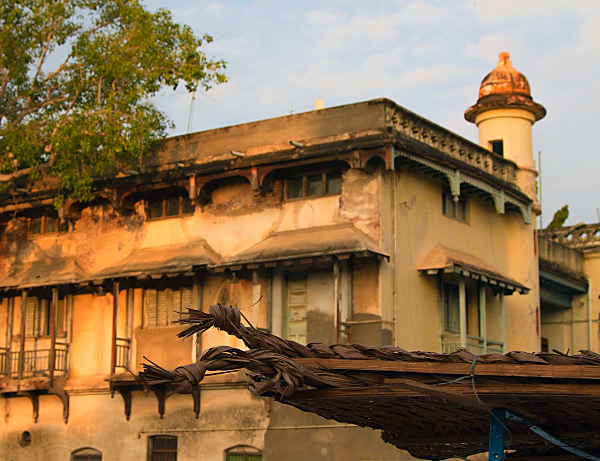 INDIEN Chennai Kanchipuram Tempel Menschen Tempel FINEST-onTour 7825.jpg