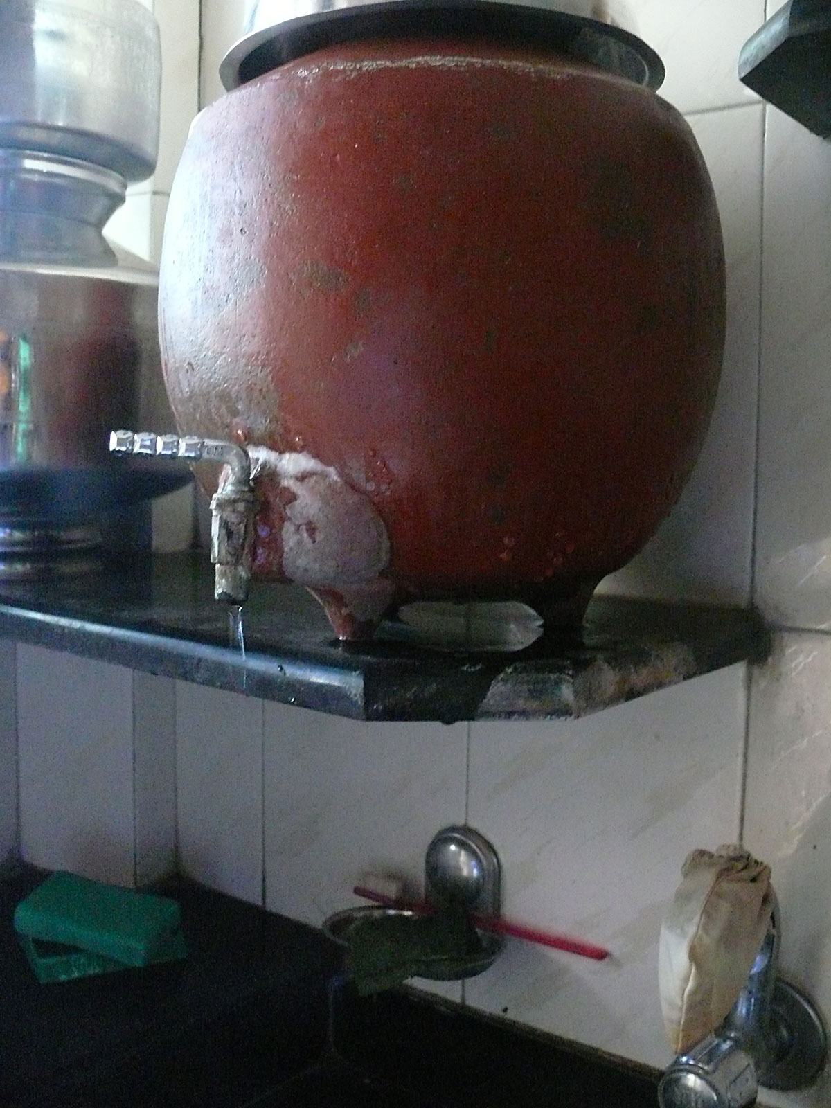 INDIEN MUMBAI Menschen Wohnen FINEST-onTour P1030374.jpg