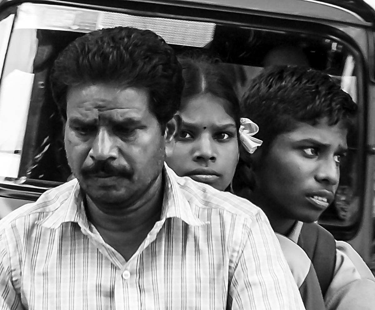 INDIEN Chennai Menschen Tempel FINEST-onTour 7235-sw.jpg