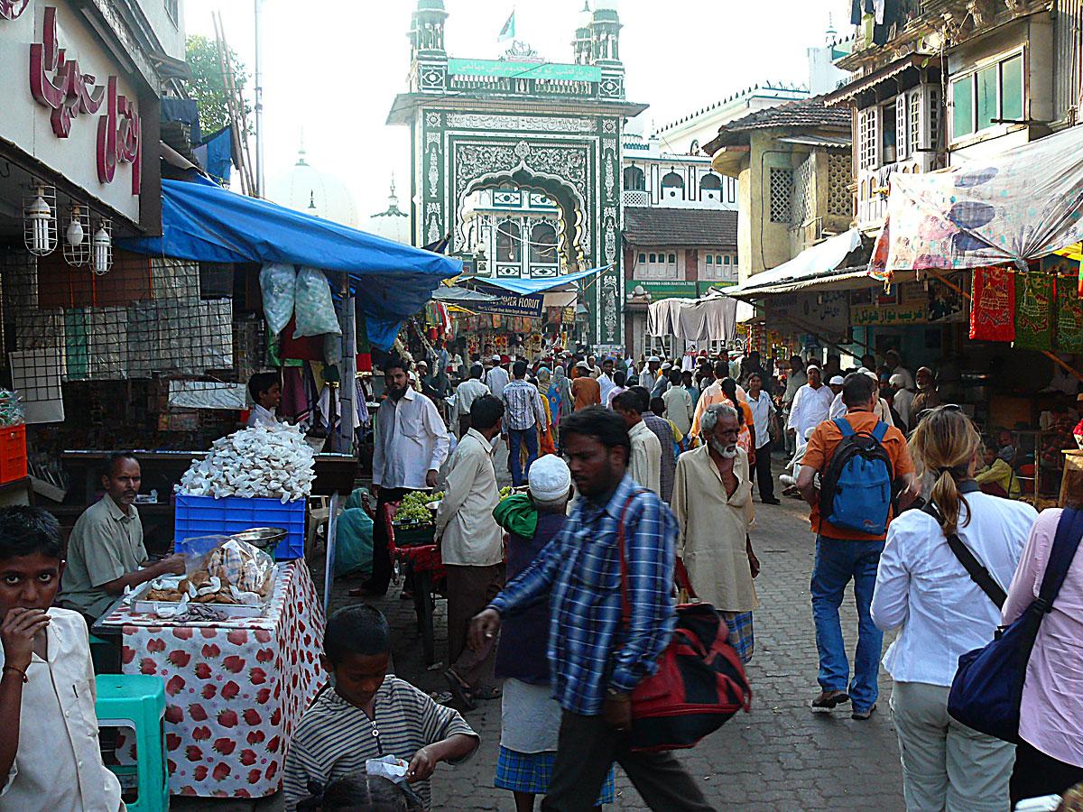 INDIEN MUMBAI Menschen Wohnen FINEST-onTour P1030583.jpg