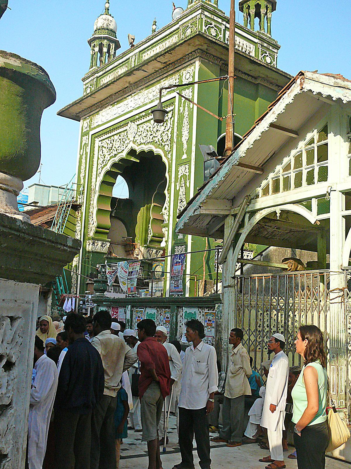 INDIEN MUMBAI Menschen Wohnen FINEST-onTour P1030598.jpg