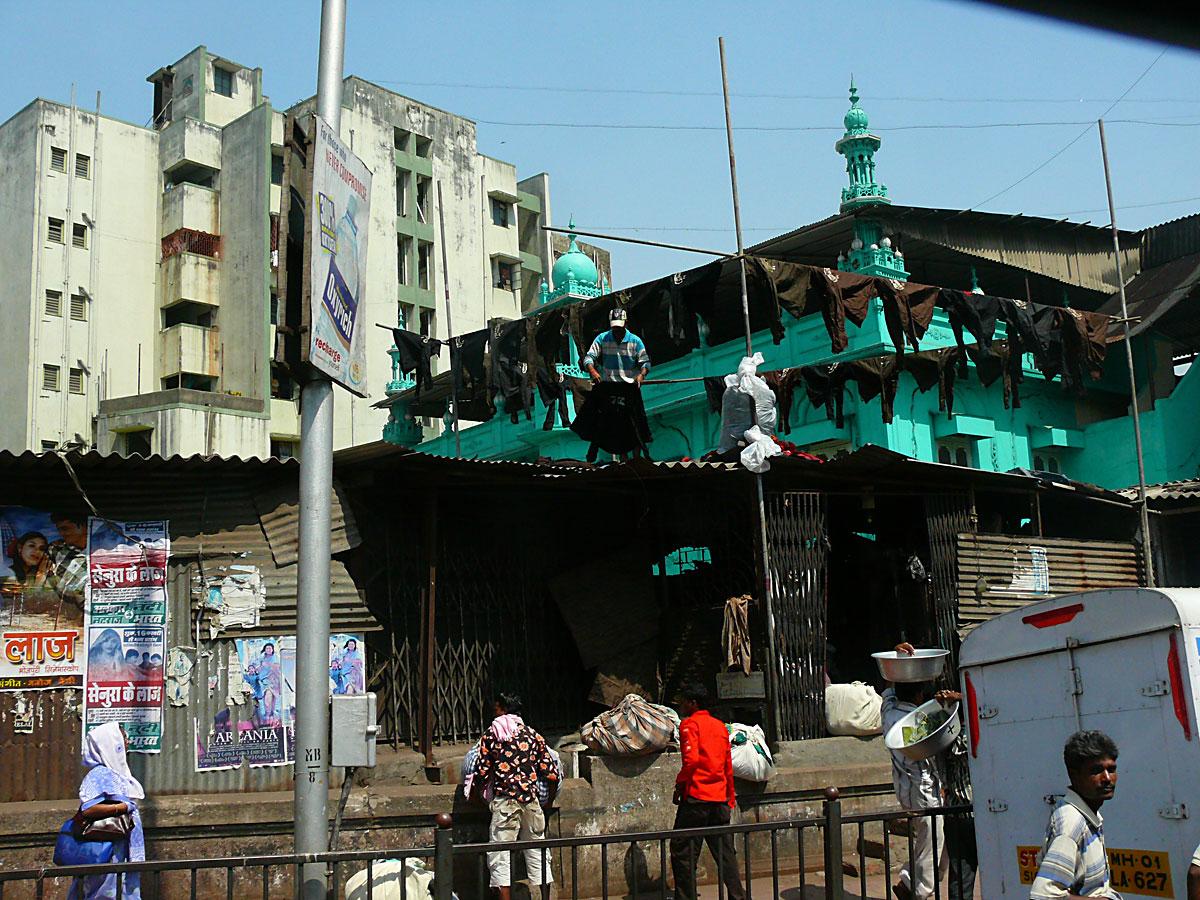 INDIEN MUMBAI Menschen Wohnen FINEST-onTour P1030423.jpg