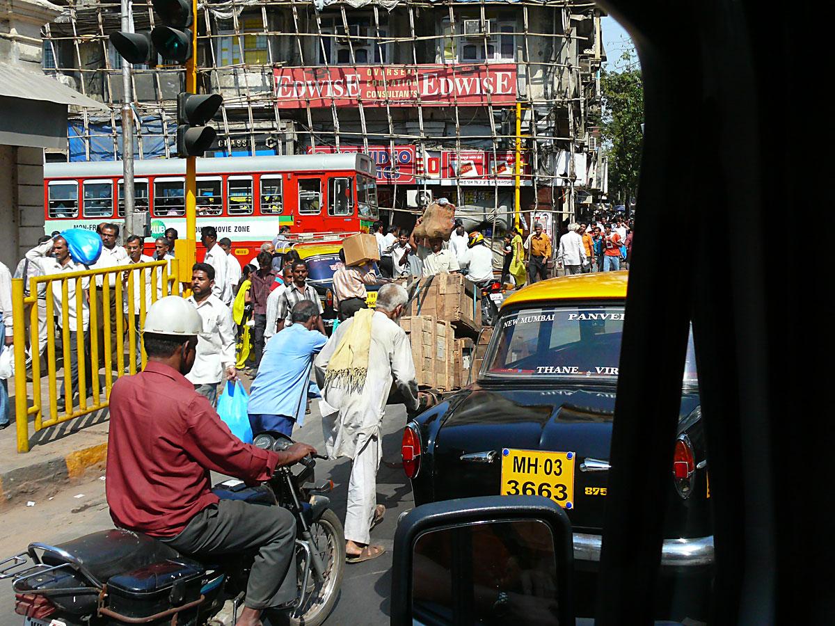 INDIEN MUMBAI Menschen Wohnen FINEST-onTour P1030474.jpg