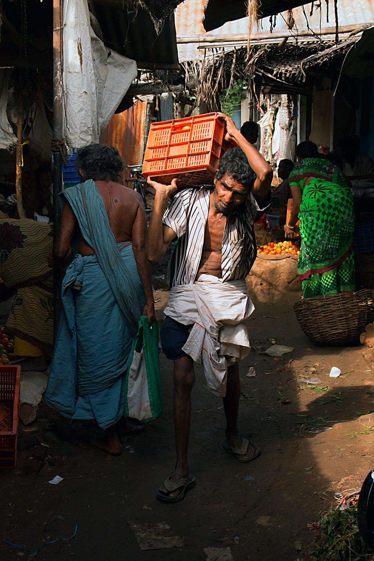 INDIEN Kumily Thekkady Kumarakom Kerala Menschen Tempel FINEST-onTour 7913.jpg