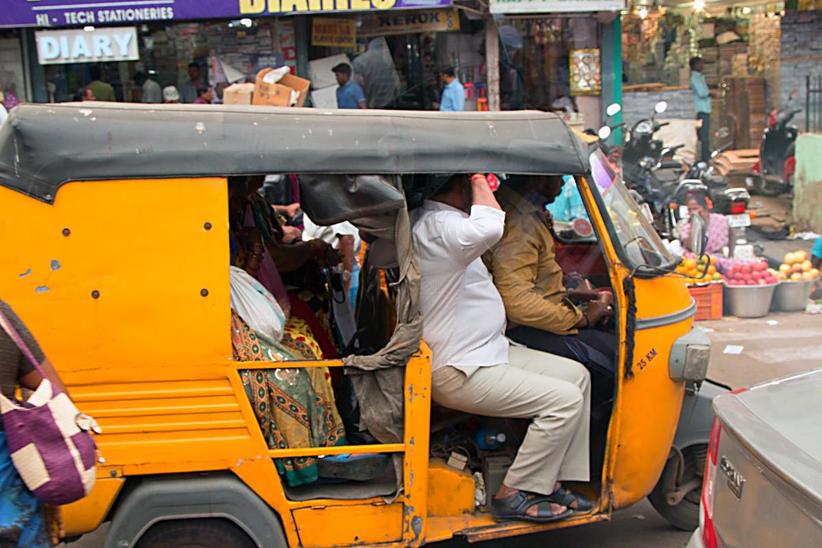 INDIEN Chennai Menschen Tempel FINEST-onTour 7177.jpg