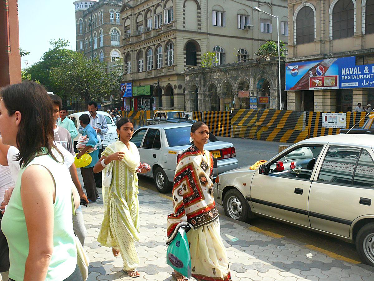 INDIEN MUMBAI Menschen Wohnen FINEST-onTour P1030498.jpg