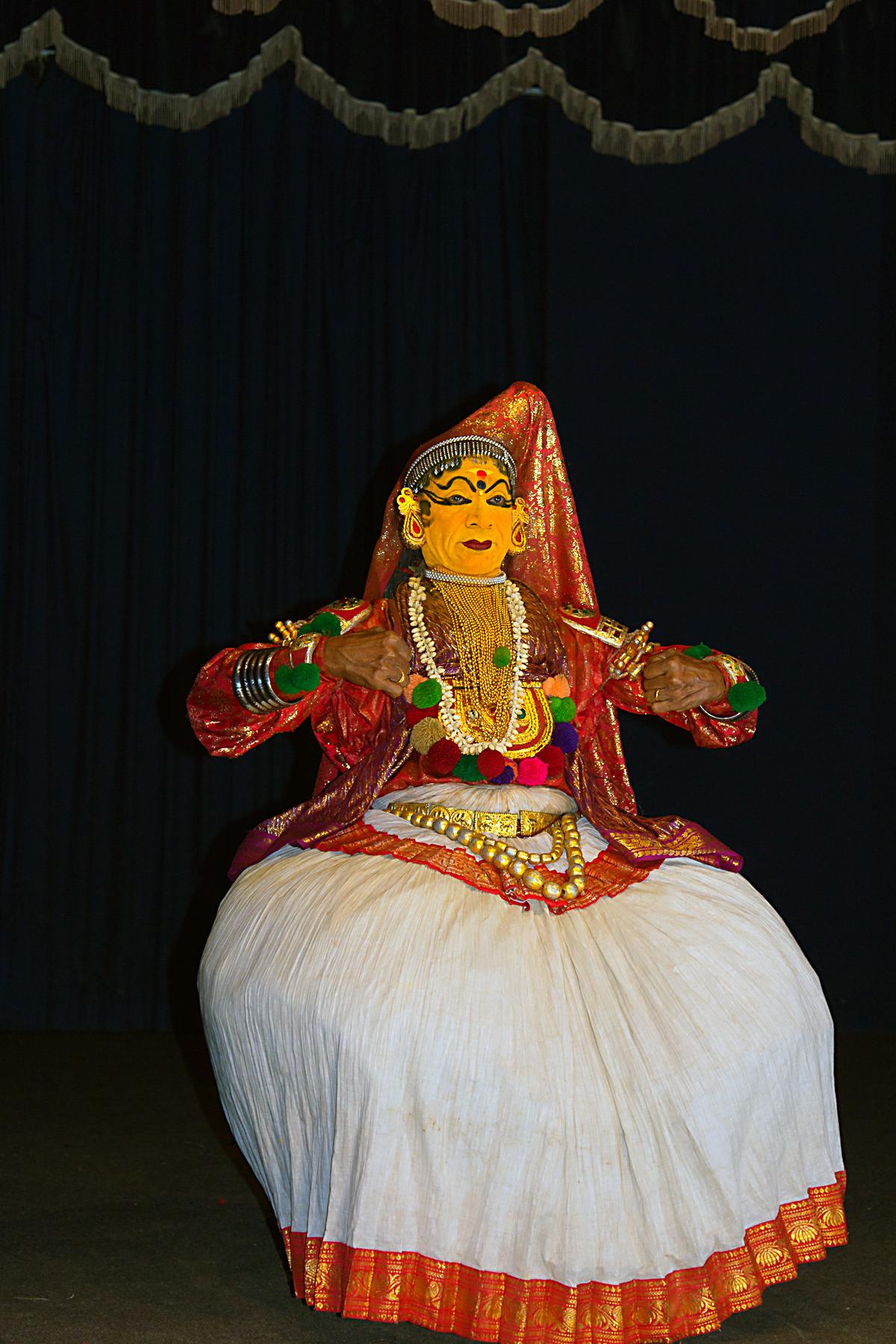 INDIEN Cochin Kerala Menschen Masken FINEST-onTour 9025.jpg