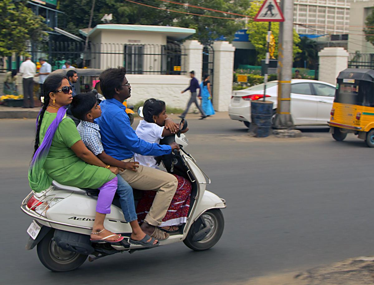 INDIEN Chennai Menschen Tempel FINEST-onTour 7103.jpg