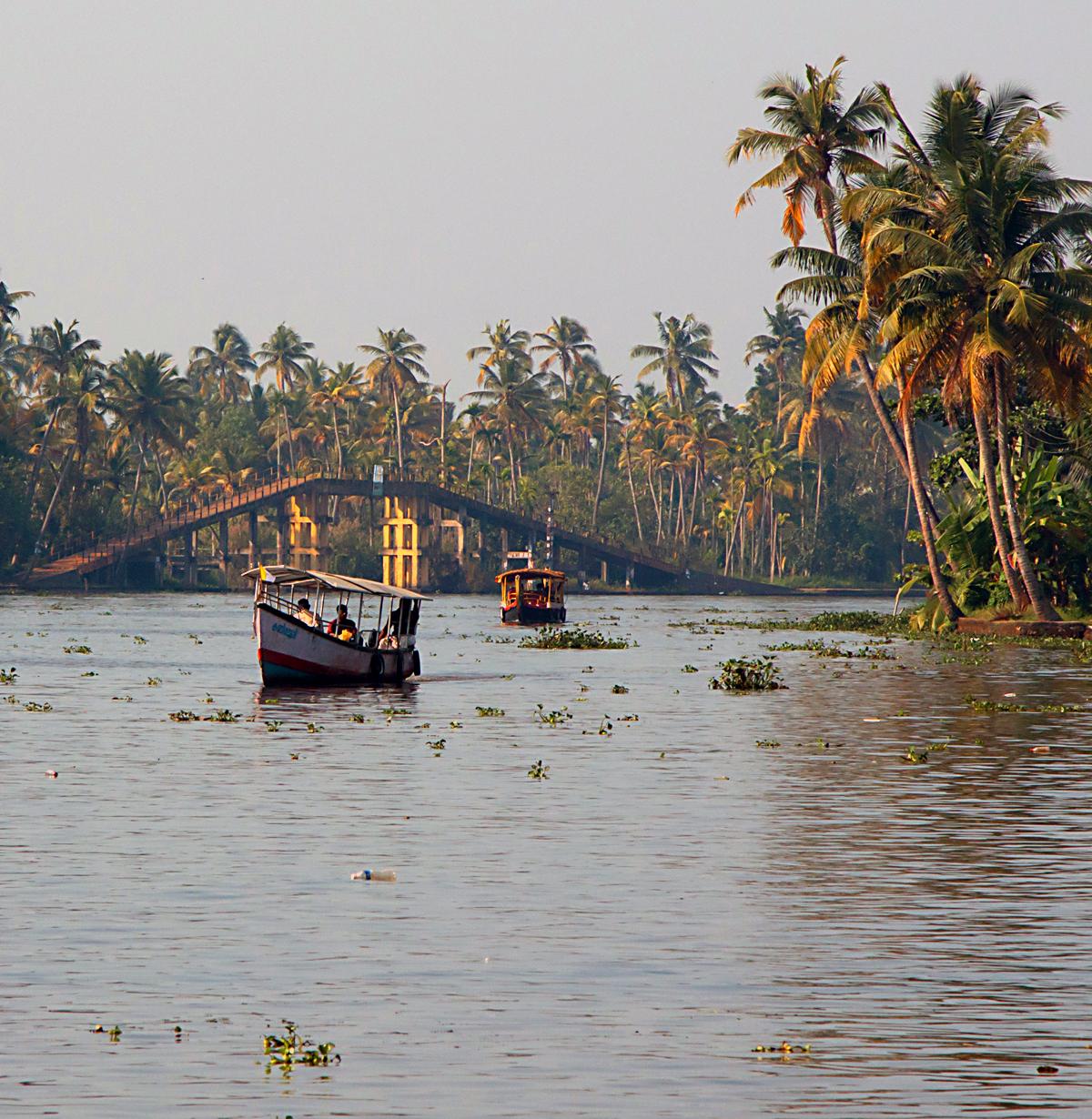 INDIEN Menschen Leben am Fluss FINEST-onTour 8483.jpg