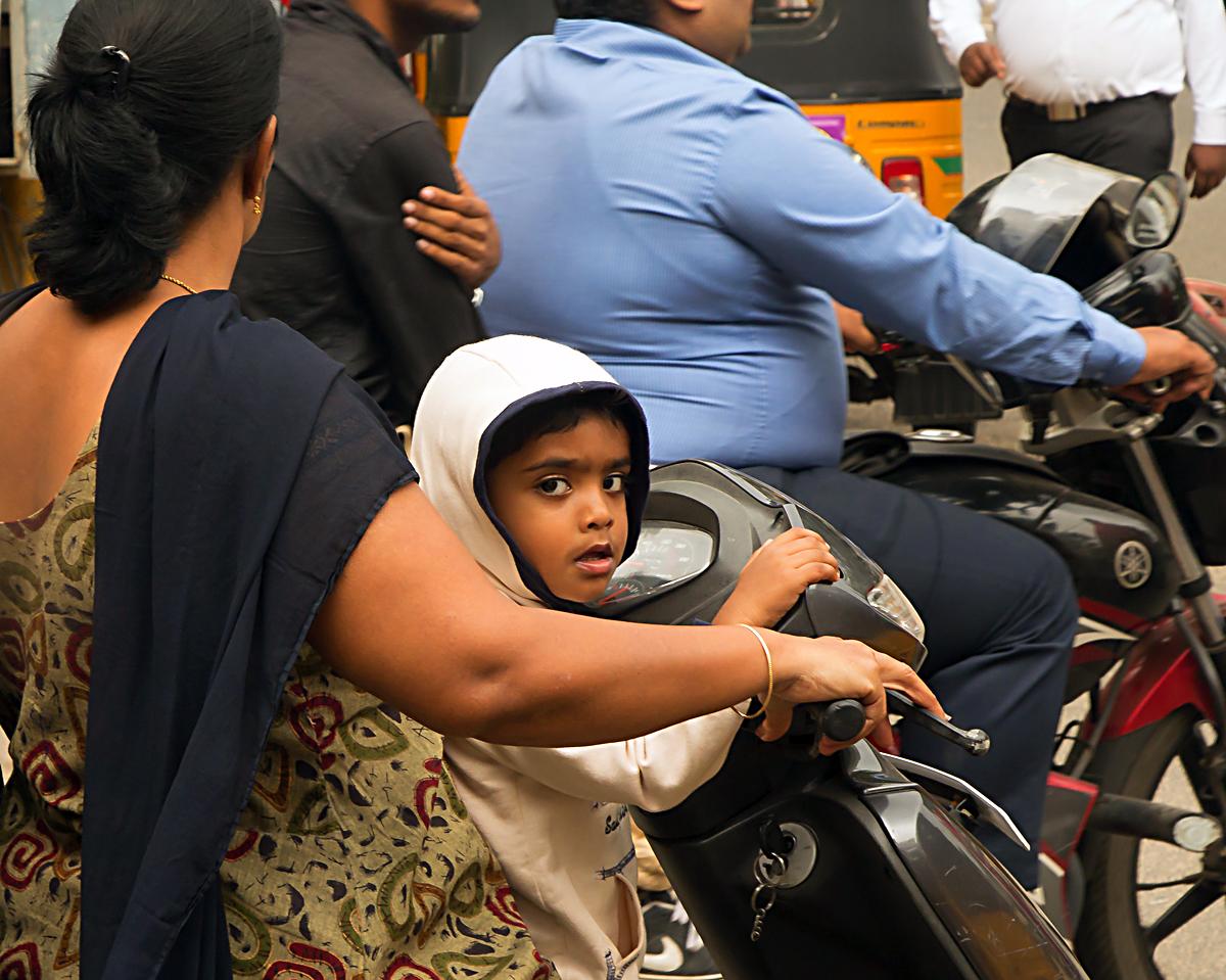 INDIEN Chennai Menschen Tempel FINEST-onTour 7090.jpg