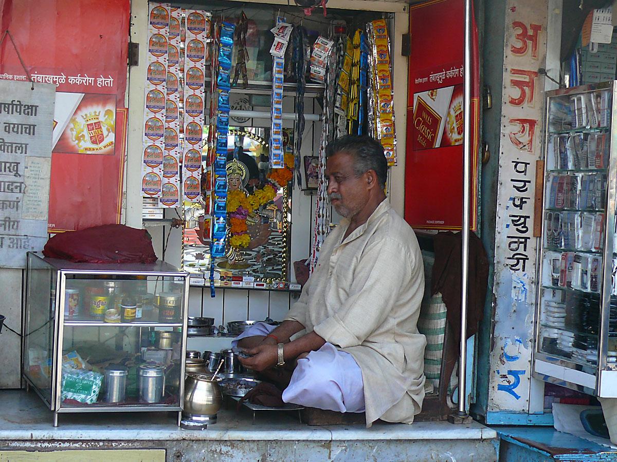 INDIEN MUMBAI Menschen Wohnen FINEST-onTour P1030366.jpg