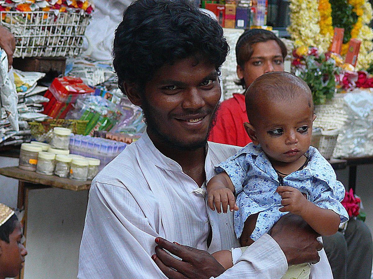 INDIEN MUMBAI Menschen Wohnen FINEST-onTour P1030603.jpg