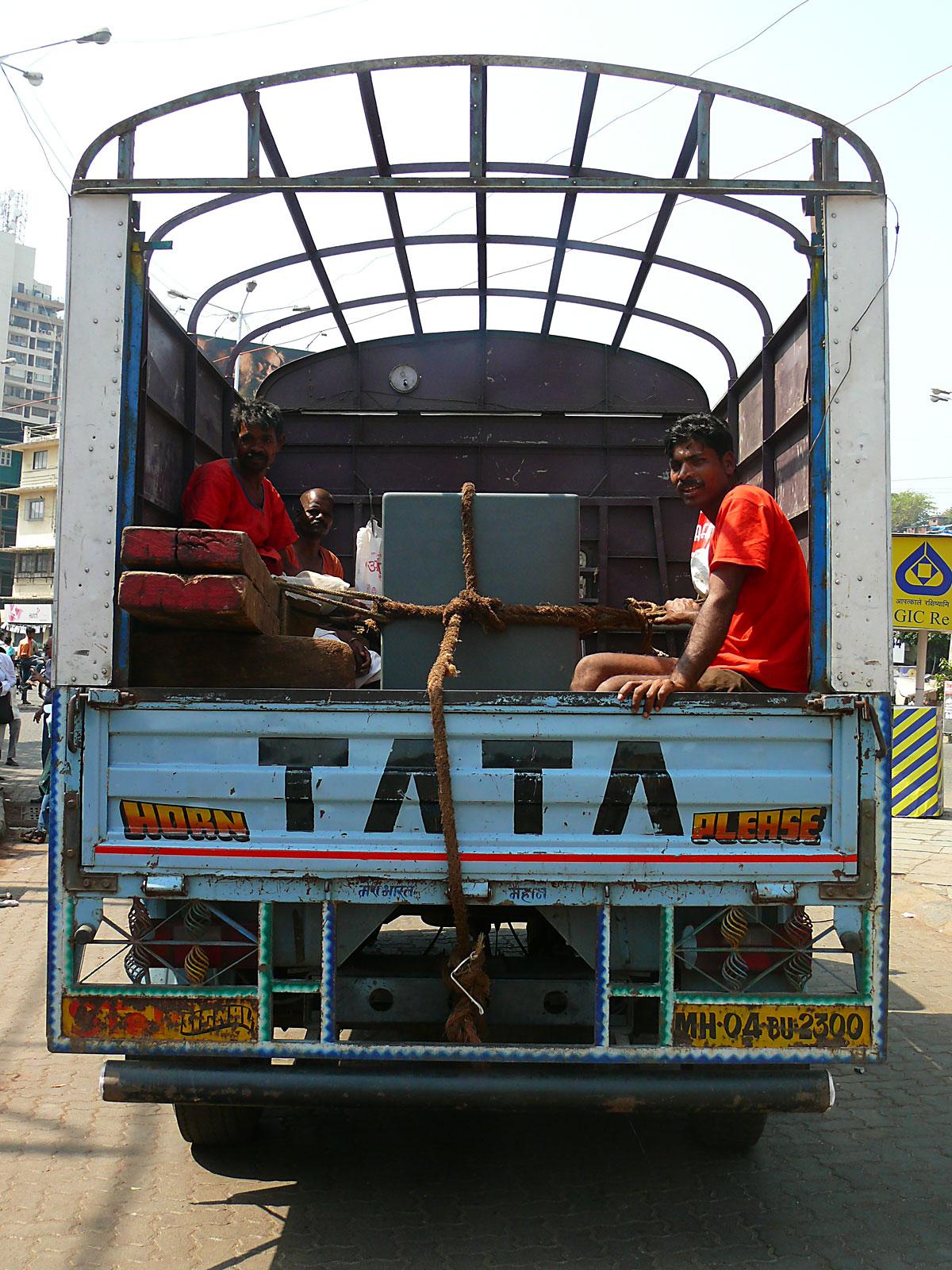 INDIEN MUMBAI Menschen Wohnen FINEST-onTour P1030364.jpg