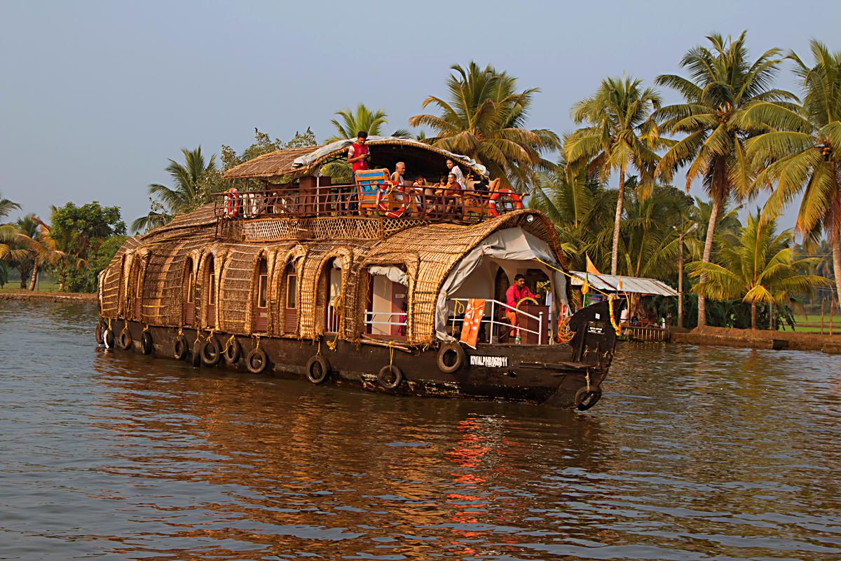 INDIEN Menschen Leben am Fluss FINEST-onTour 8658.jpg