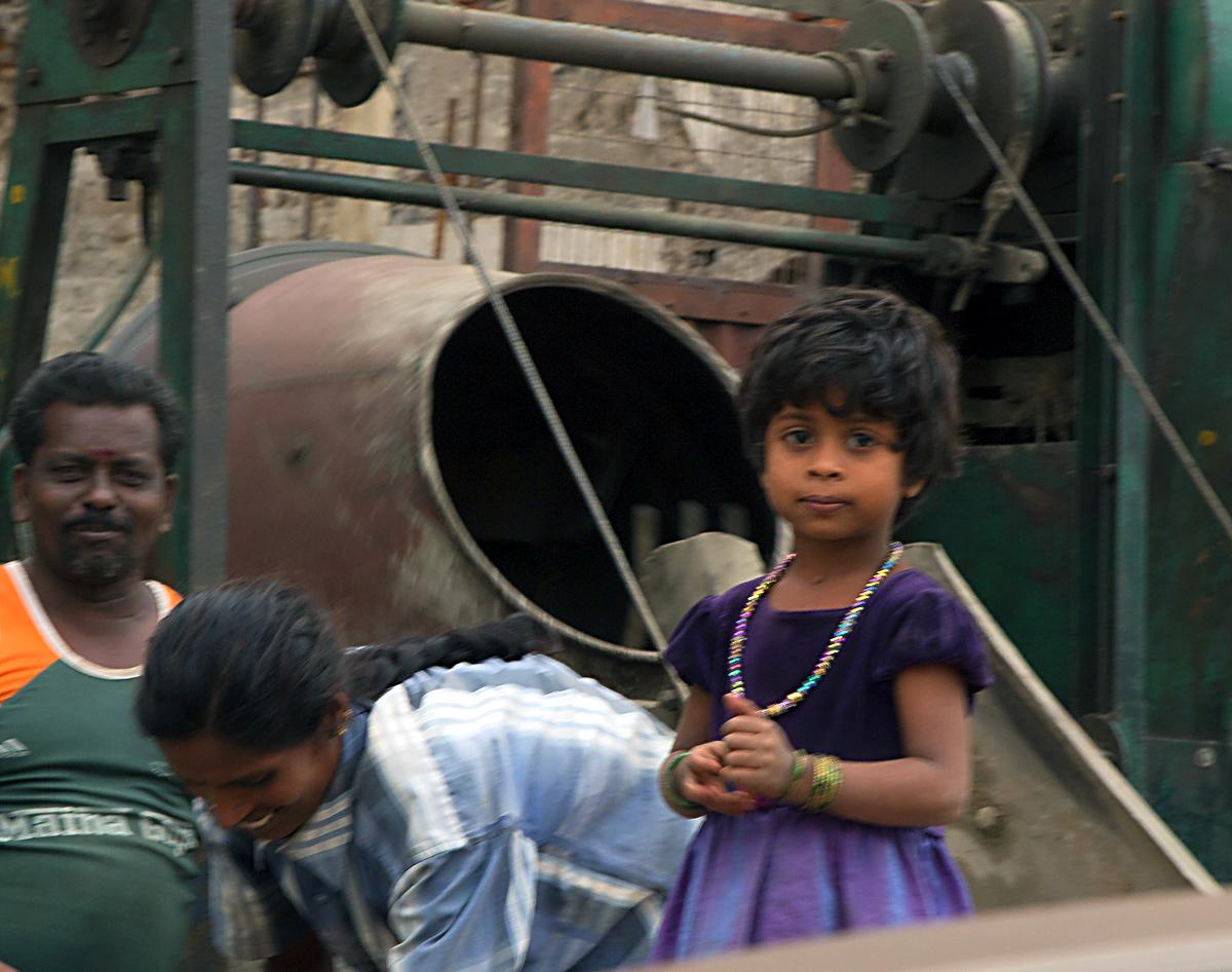 INDIEN Chennai Menschen Tempel FINEST-onTour 7275.jpg
