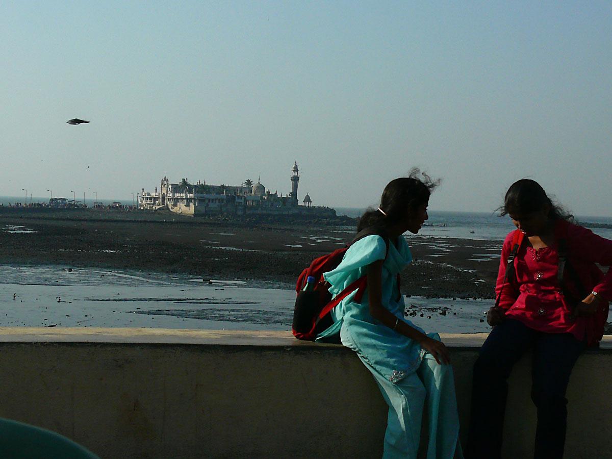 INDIEN MUMBAI Menschen Wohnen FINEST-onTour P1030554.jpg