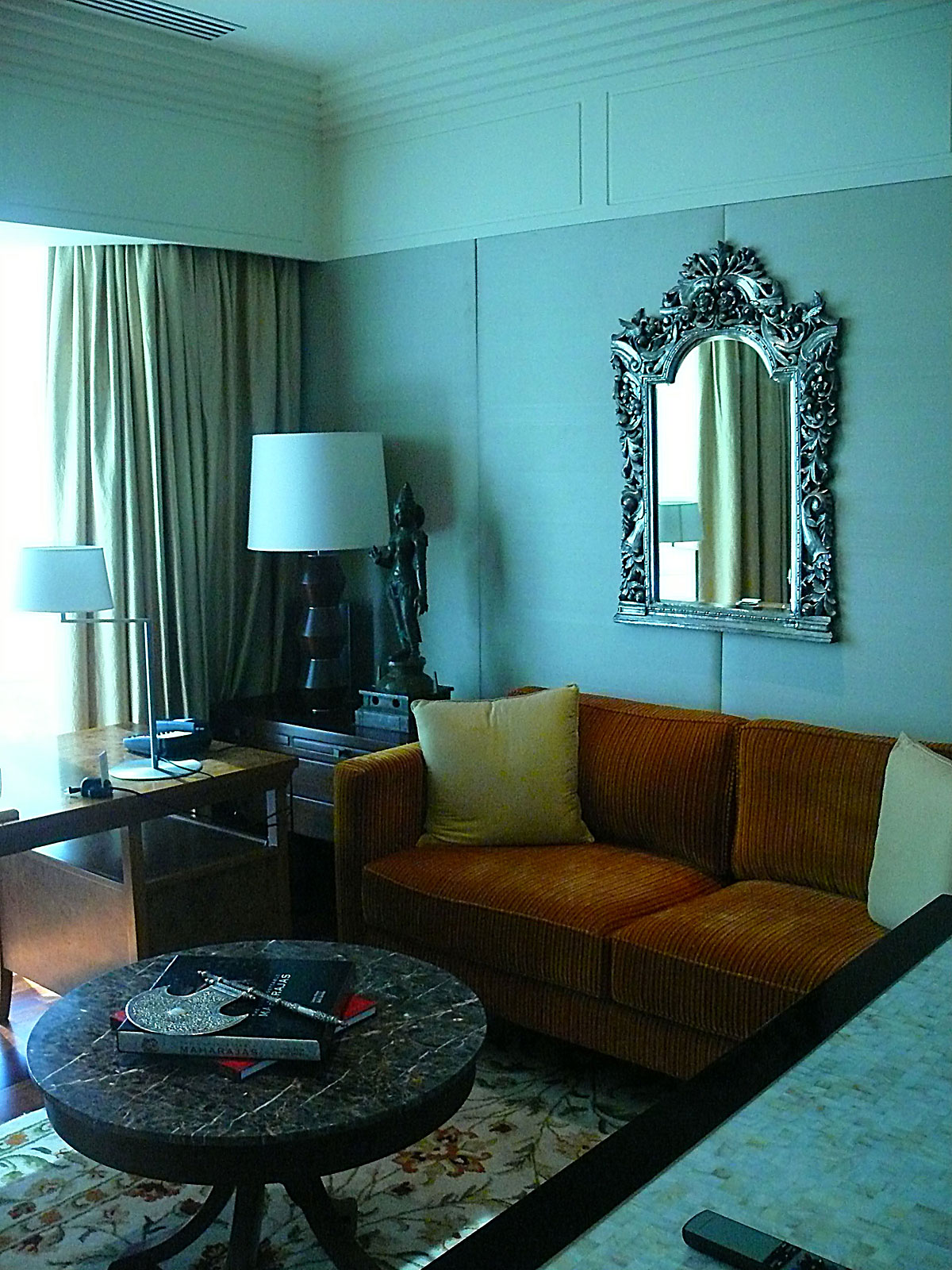 INDIEN MUMBAI Hotel The Leela FINEST-onTour P1030640.jpg
