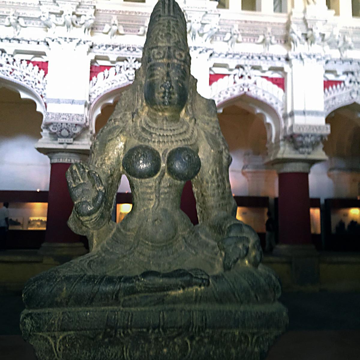 INDIEN Chennai Kanchipuram Tempel Menschen Tempel FINEST-onTour 2151.jpg