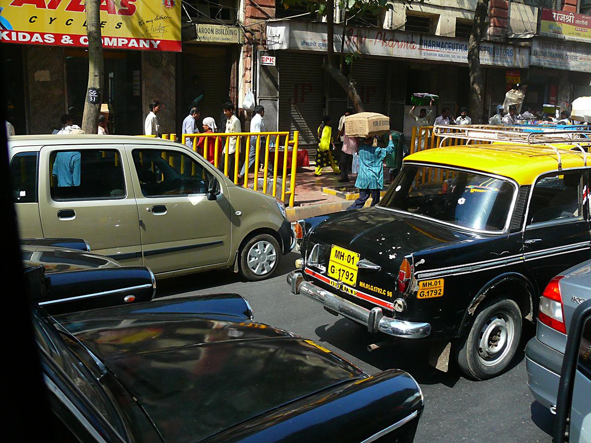 INDIEN MUMBAI Menschen Wohnen FINEST-onTour P1030480.jpg
