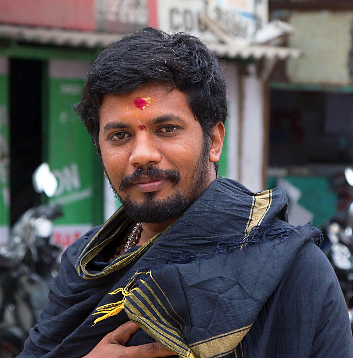 INDIEN Chennai Menschen Tempel FINEST-onTour 7462.jpg