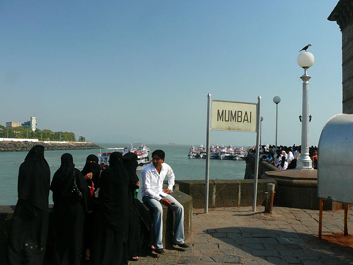 INDIEN MUMBAI Menschen Wohnen FINEST-onTour D1P1030506.jpg