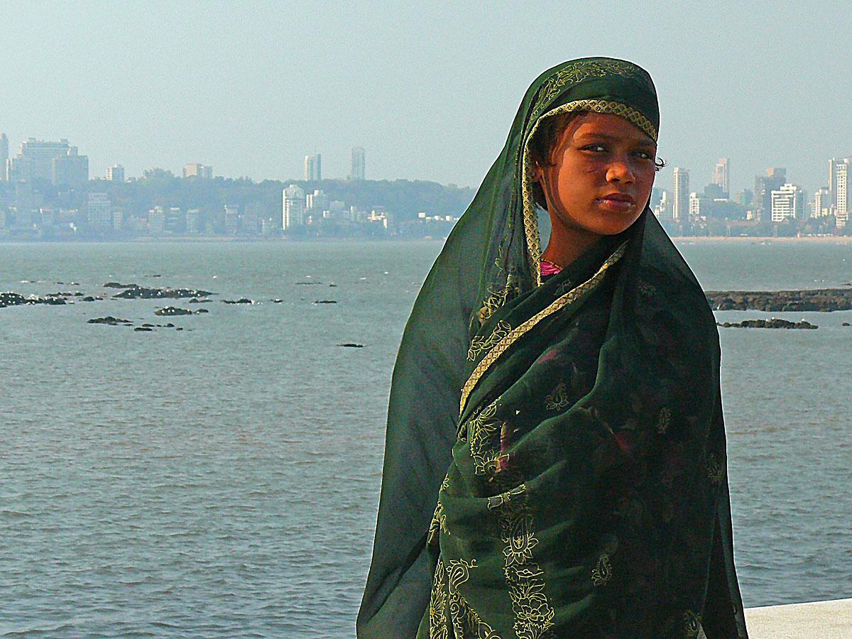 INDIEN MUMBAI Menschen Wohnen FINEST-onTour P1030549.jpg