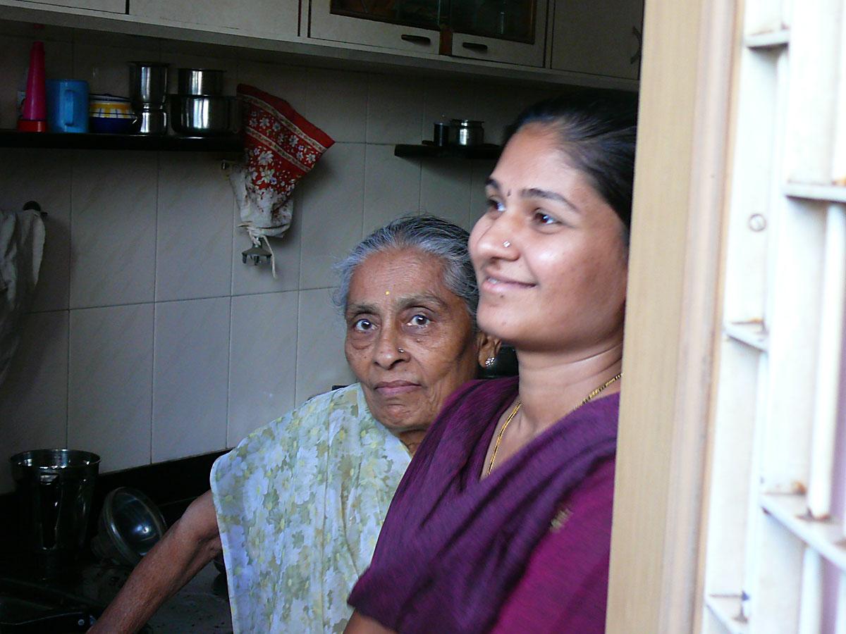 INDIEN MUMBAI Menschen Wohnen FINEST-onTour P1030382.jpg
