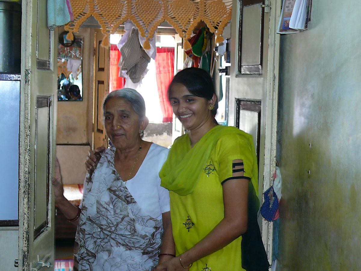 INDIEN MUMBAI Menschen Wohnen FINEST-onTour P1030376.jpg
