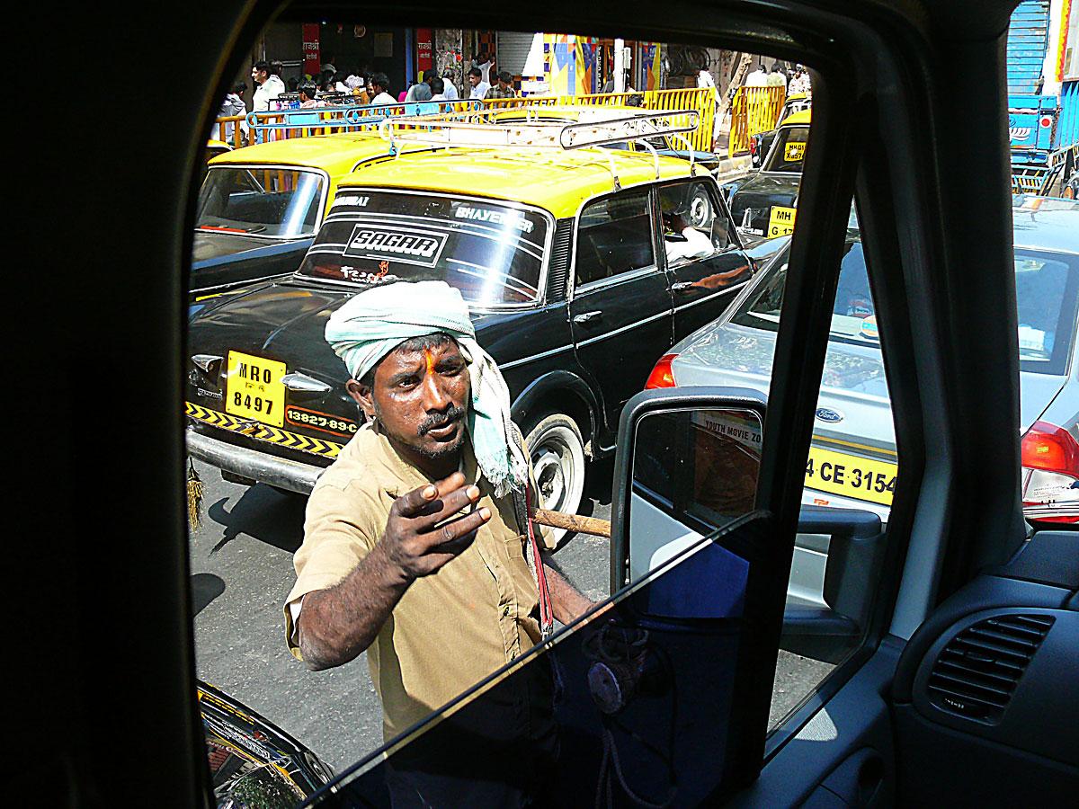 INDIEN MUMBAI Menschen Wohnen FINEST-onTour P1030483.jpg