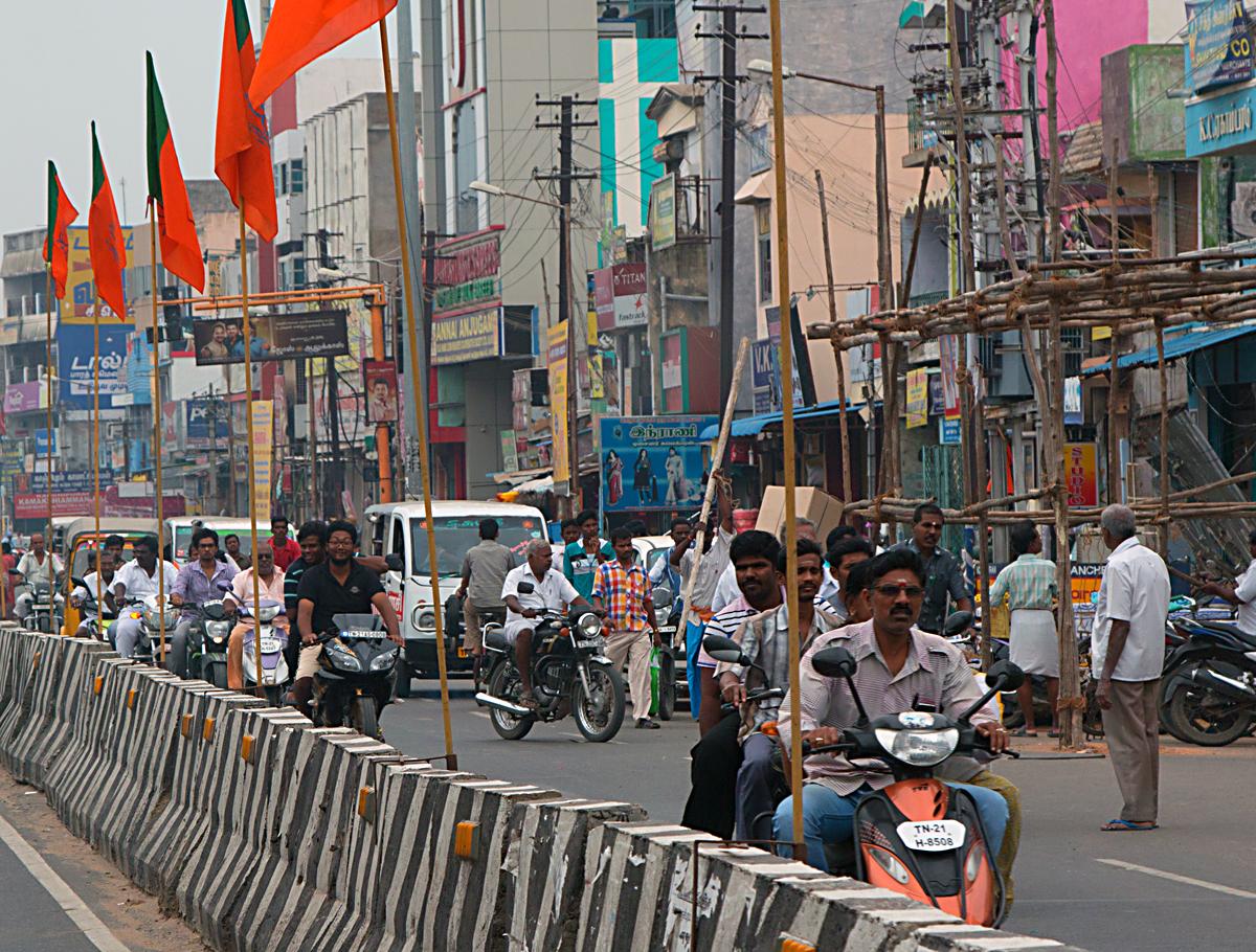 INDIEN Chennai Menschen Tempel FINEST-onTour 7552.jpg